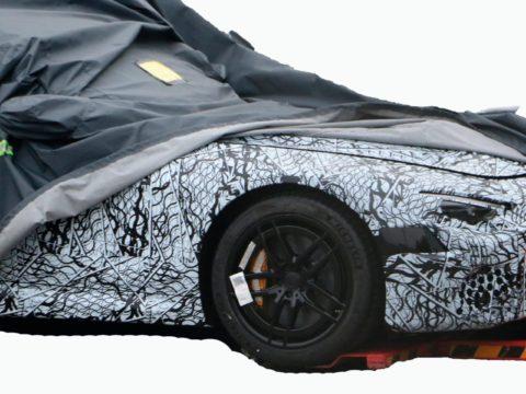Новый 2021 Mercedes SL AMG с компоновкой 2 + 2