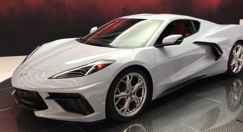 Новый Chevrolet Corvette Stingray 2020 года