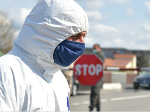 «Позор тем, кто использует пандемию в своих эгоистичных и ошибочных убеждениях, ненавидящих автомобили»
