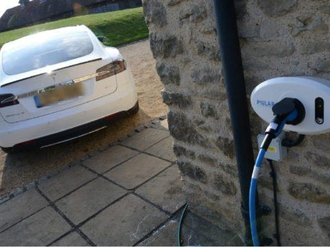 Энергетические компании хотят получить право отключать зарядку электромобилей
