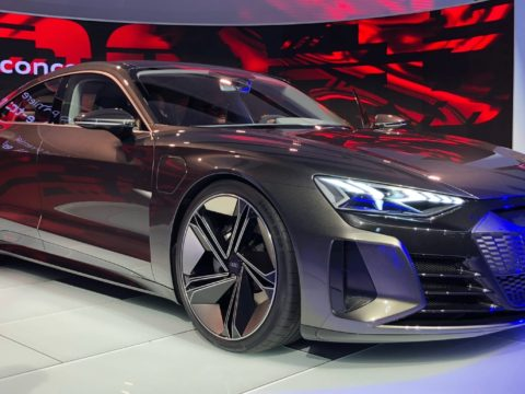 Новый электрический Audi e-tron GT 2021