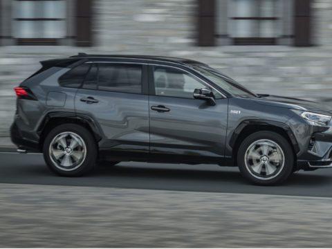 Toyota подтвердила данные по дальности и экономичности RAV4 PHEV